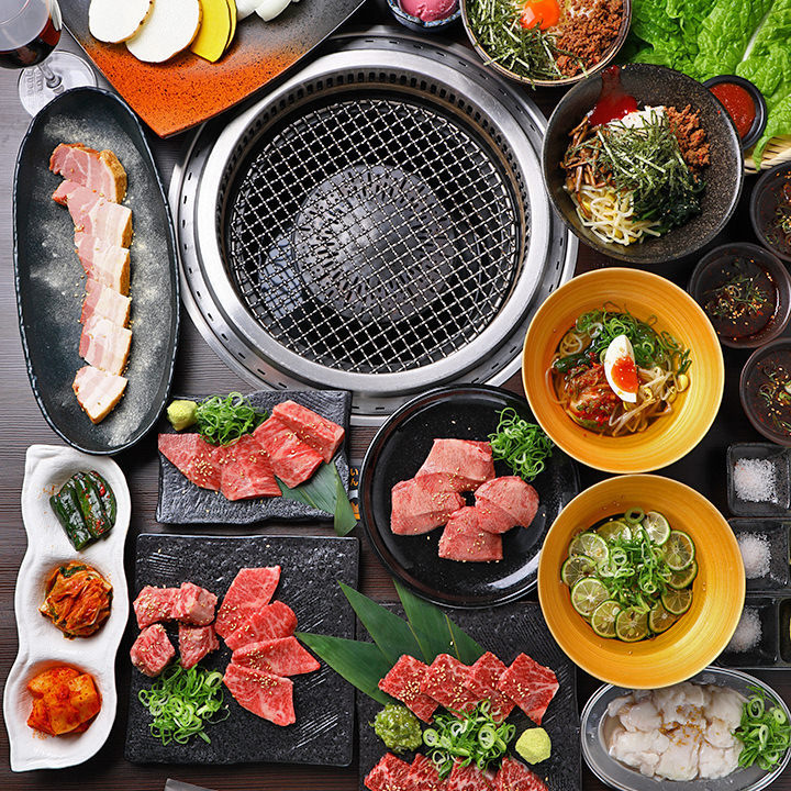 料理のみのコースは3,500円(税抜)~。いずれも厳選肉目白押し!
