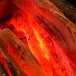 備長炭で焼く本格焼鳥は外はカリッと中はふわっとした食感