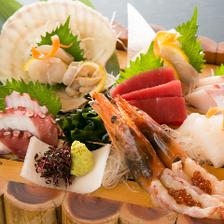新潟産や下関産旬鮮魚のお造りに舌鼓