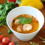トムヤムクン(タイ風小海老のスープ)