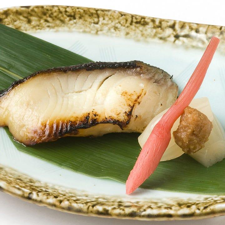 幾度も手をかけ漬け込んだギンダラの最高の旨味を味わえる西京焼