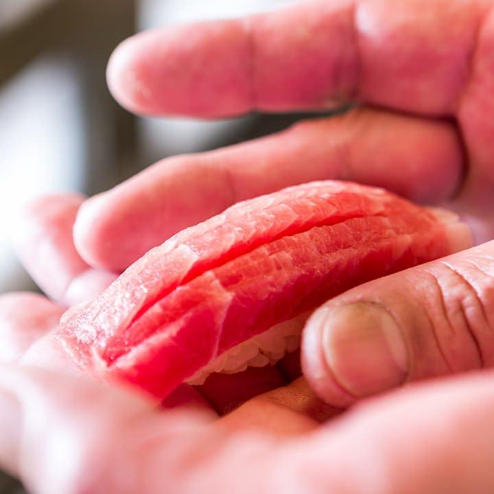 肴・酒・鮨の三拍子が揃う江戸前寿司