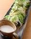たっぷりのお肉にはたっぷりの優しい野菜。真サラダ580円
