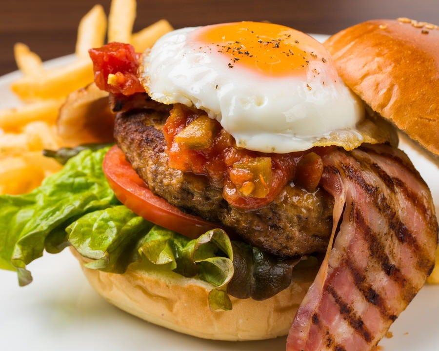 ディナーのハンバーガーはカスタム可!オリジナルバーガーを作ろ