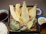通はこれ!伝統の魚定食