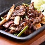 国産牛カルビの鉄板焼き ピリ辛味噌