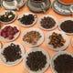 約20種の中国茶。こだわりを持って茶葉を揃えております。