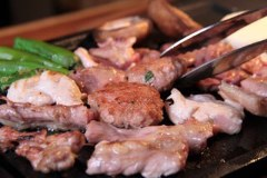 京赤地鶏×旨辛ちりとり鍋 鶏焼ジョー 長居店