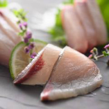 お刺身御膳や握り寿司など、様々な御膳料理をご用意しております
