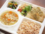 カラダをはぐくむスープつき弁当(お肉料理や副菜の内容は、時期により変わります)