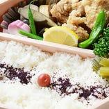 日本料理店の唐揚げ弁当、一度ご賞味あれ。