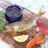 【焼物】琵琶湖産鮎塩焼き、一口寿司、その他