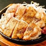 大山鶏の黒胡椒焼き