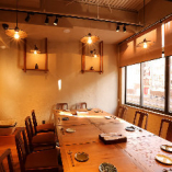 【2F|テーブル個室/12~20名様まで 】お仲間だけで過ごせる貴重な時間と空間を独占