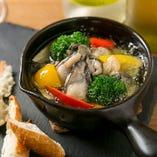燻製牡蠣と季節野菜の和ヒージョ