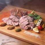 燻製肉の盛り合わせ