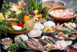 海鮮,豚肉,お野菜やハーブをスパイシーなタイスキ鍋で。