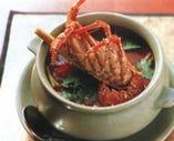 トムヤムロブスター  海老の殻の出汁が楽しめます。