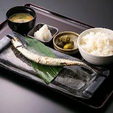 焼き魚定食でほっと一息ランチTime