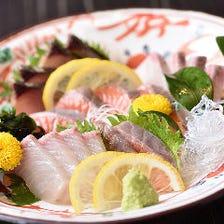 瀬戸内産の新鮮魚介が味わえる