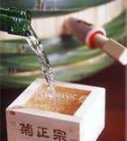 日本酒はやぶそば伝統の菊正宗樽酒をご用意