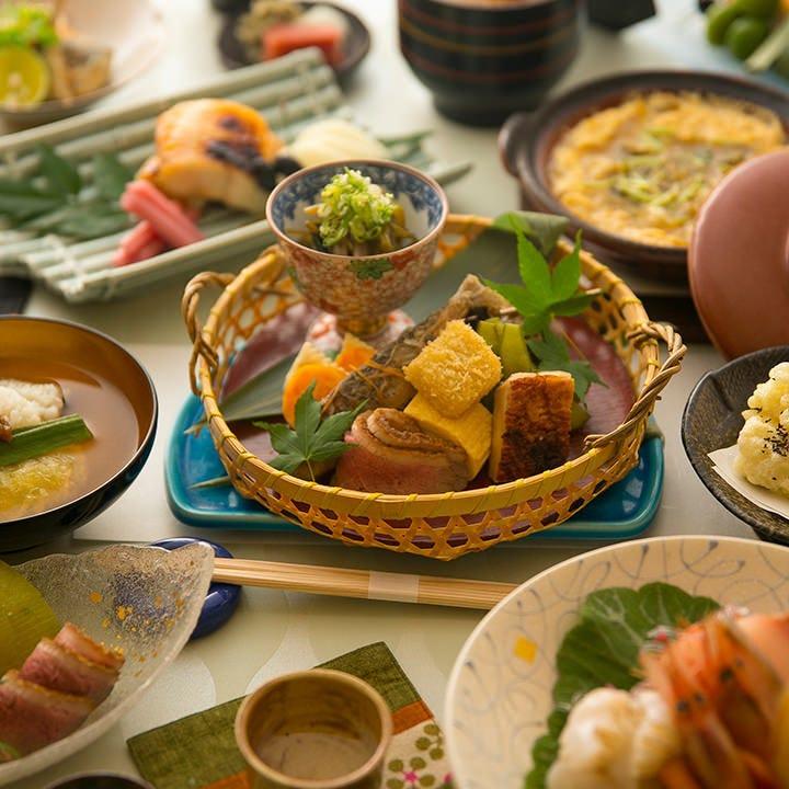 造りや煮物などを一通り楽しめる『旬コース』は当日注文もOK