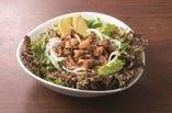 牛カルビ焼肉のパワーサラダ