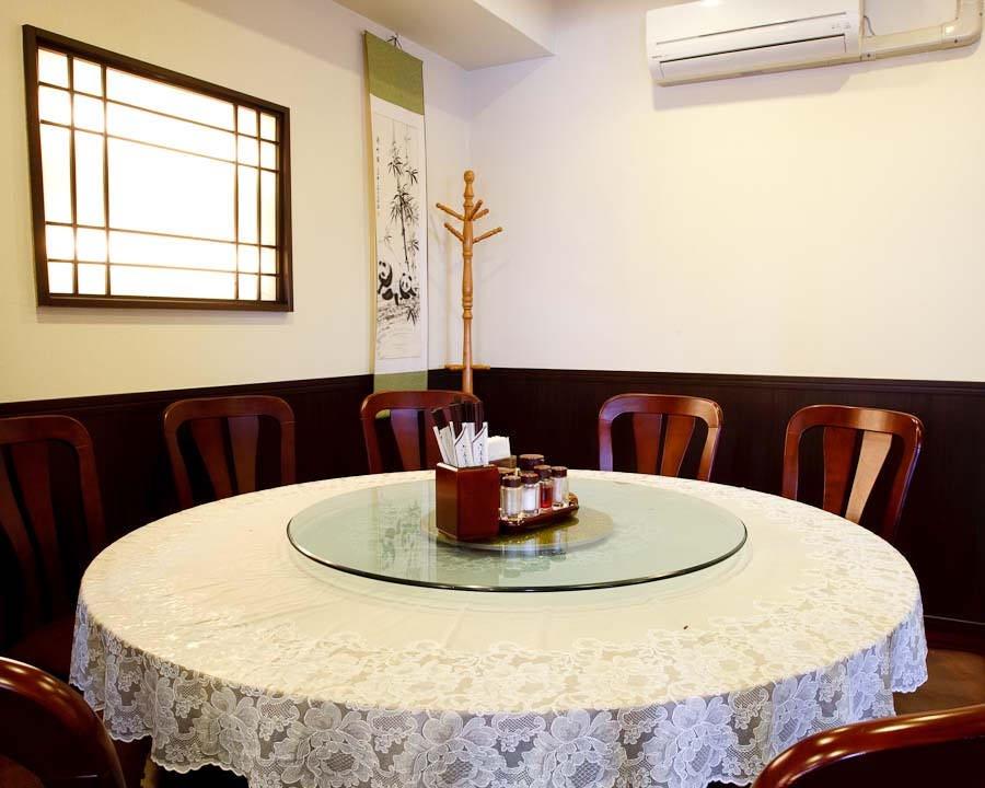 接待に最適な円卓テーブルの完全個室