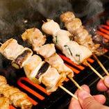 一本一本丹精こめて焼き上げる串焼き