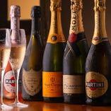 シャンパンも人気のものをご用意
