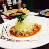 牛すじトマト煮 860円(税抜)