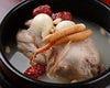 コラーゲンたっぷり、スープが絶品の参鶏湯