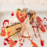 苺のホワイトショコラバスクチーズケーキ