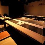 2階のお座敷席はカラオケ機材やステージを完備しています!
