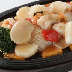 鉄板海鮮3種と野菜炒め