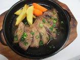 鮪のホホ肉鉄板ステーキ