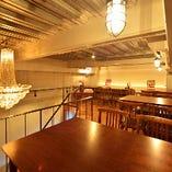 半個室的な空間溢れるロフト席!特別な日に特別なお席でお食事を。。。