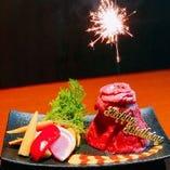 誕生日コース限定の肉ケーキ
