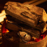 備長炭の炭火は、料理の表面を香ばしく、中をふっくら仕上げます。