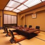 桜の間 接待や会合などでご利用いただきやすい最大6名様までご利用いただけるお部屋。
