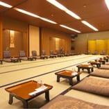 宴会場(お座敷席) 最大80名様までご利用いただけるので、会社宴会などの大人数の利用に最適。