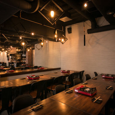 韓国屋台居酒屋 ENG POCHA(エン ポチャ) 店内の画像