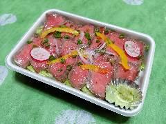 国産A5ランク牛のローストビーフ丼