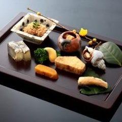 【クラブミシュラン限定/食前酒付】旬の厳選食材を使った夜のコース