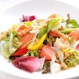 海老とグレープフルーツのサラダ