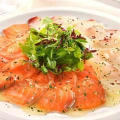 サーモンと旬の鮮魚のカルパッチョ