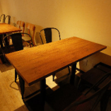 テーブル席は4名〜6名様向けもございます