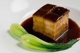 皮付バラ肉の上海風醤油煮込み