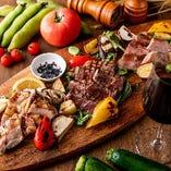 3種のお肉(牛・豚・鶏80gずつ)と野菜の盛り合わせ 2,980円