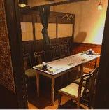 接待にもピッタリの個室でゆっくりテーブル席!